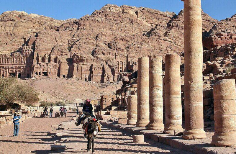 Restos romanos en Petra en Jordania