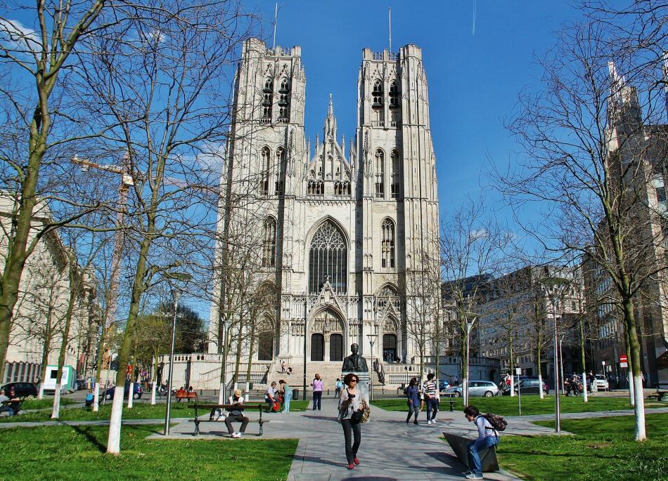 Bruselas – Así es la catedral gótica de la capital europea