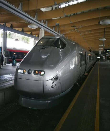 Tren Express Flytoget del aeropuerto al centro de Oslo