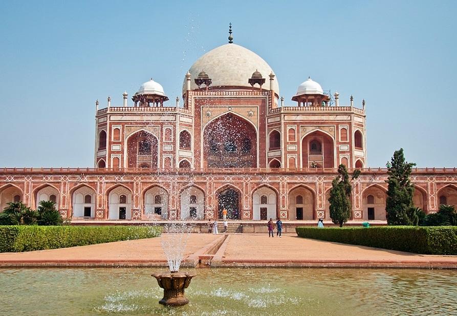 Tumba de Humayun en Delhi en la India