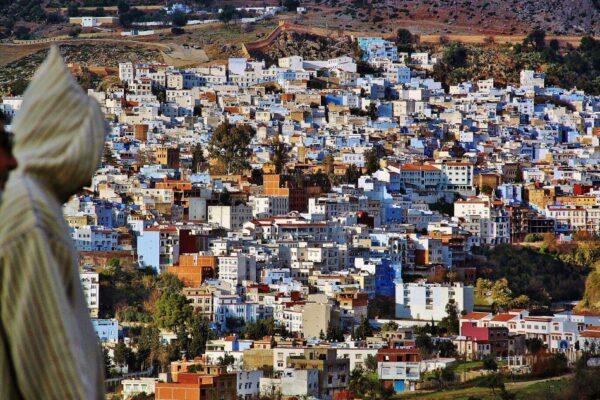 Vista panorámica de la medina de Chefchaouen al norte de Marruecos