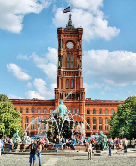 Ayuntamiento en Alexanderplatz en Berlín