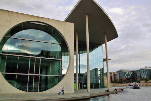 Edificio nuevo del Parlamento en Berlín