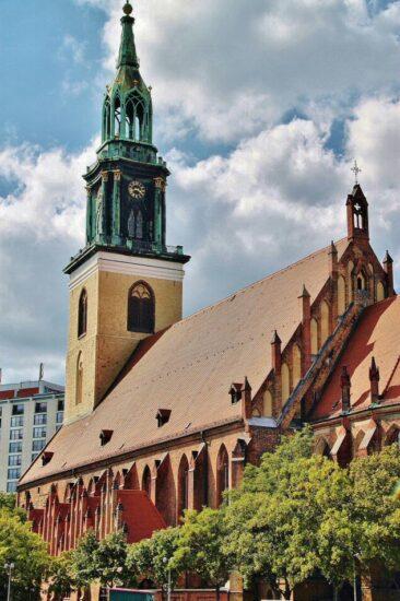 Iglesia Marienkirche en Alexanderplatz en Berlín