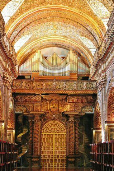 Organo de la iglesia de la Compañía en Quito en Ecuador