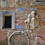 Escudos de piedra en la Basílica del Prado en Talavera de la Reina
