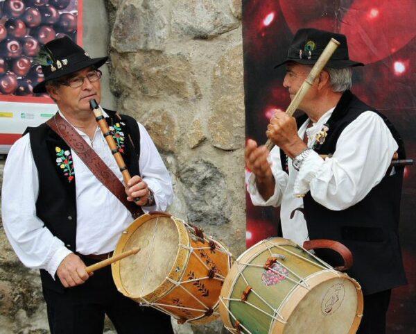 Música popular en la Feria de la Cereza del Valle del Jerte