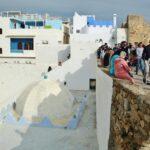Mirador en la muralla de la medina de Asilah al norte de Marruecos