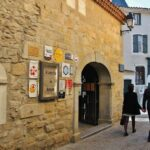 Castillo Condal en la ciudadela de Carcasona al sur de Francia