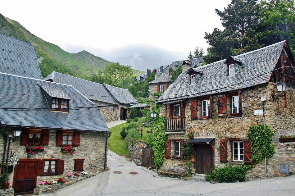 Pueblos bonitos en valle ar n gu as viajar - Casas rurales escocia ...