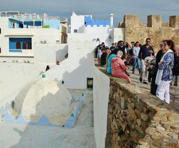 Mirador en la muralla de la medina de Asilah en Marruecos