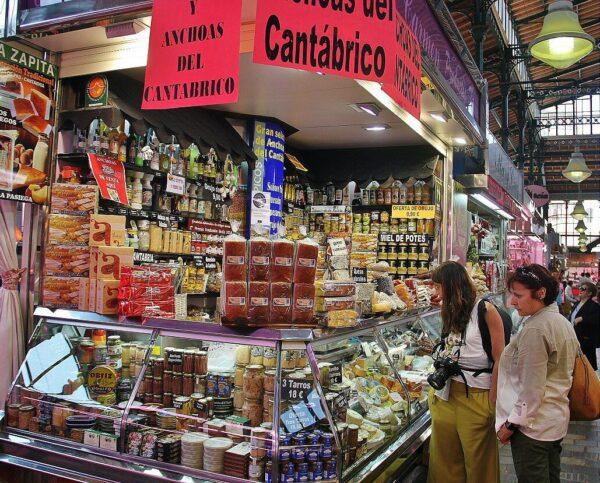 Productos típicos en Mercado de la Esperanza en Santander