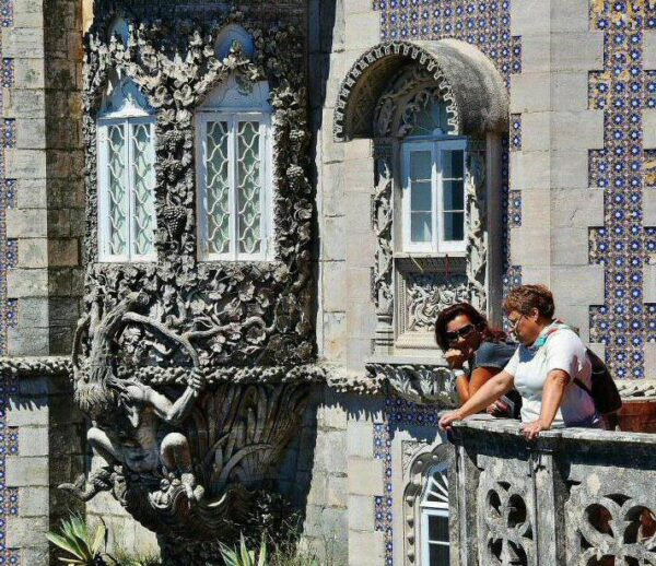 Ventana de Tritón en el palacio da Pena en Sintra cerca de Lisboa