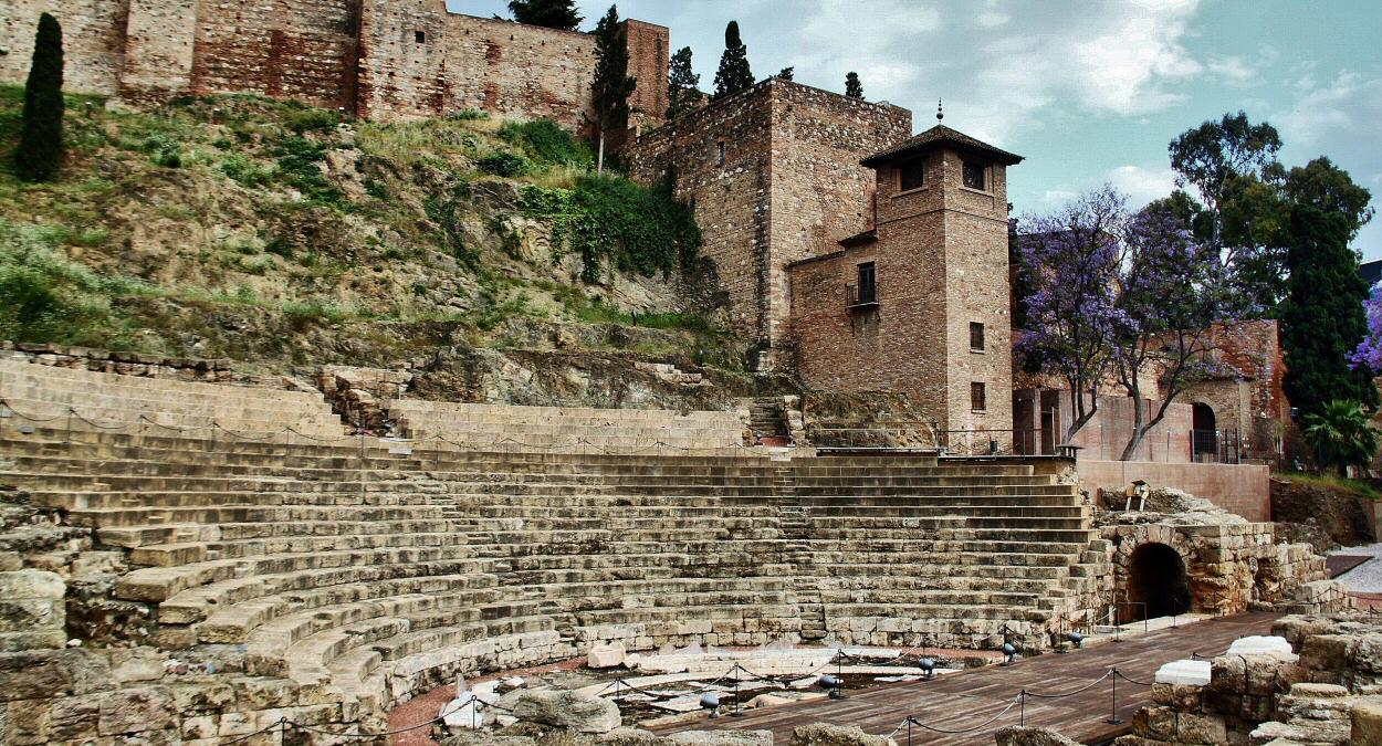 Resultado de imagen de teatro romano de málaga
