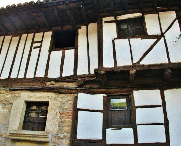 Casa con fachada entramada en Valle del Jerte