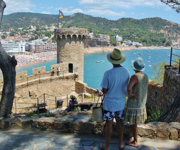 Vistas de Tossa de Mar desde la muralla medieval