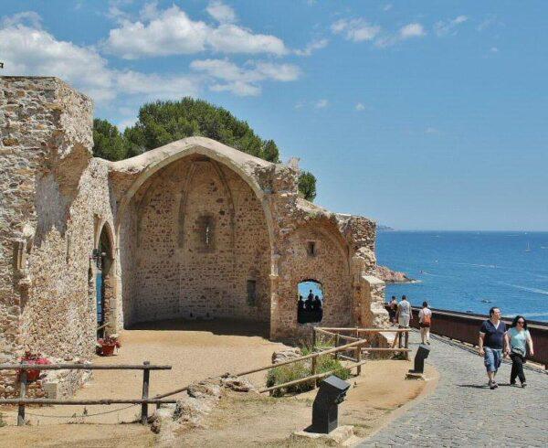 Antigua iglesia de San Vicente en Tossa de Mar
