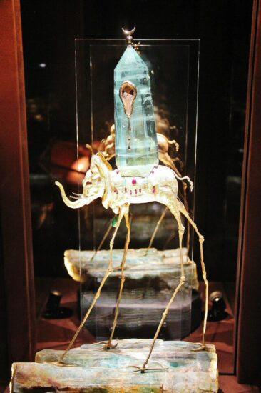 Joyas diseñadas por Dalí en el museo Dalí en Figueras