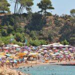 Playa en Tossa de Mar en la Costa Brava en Cataluña