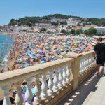 Gran Playa de Tossa de Mar en la Costa Brava en Cataluña