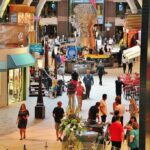 Zona de compras en el crucero Harmony of the Seas de Royal Caribbean