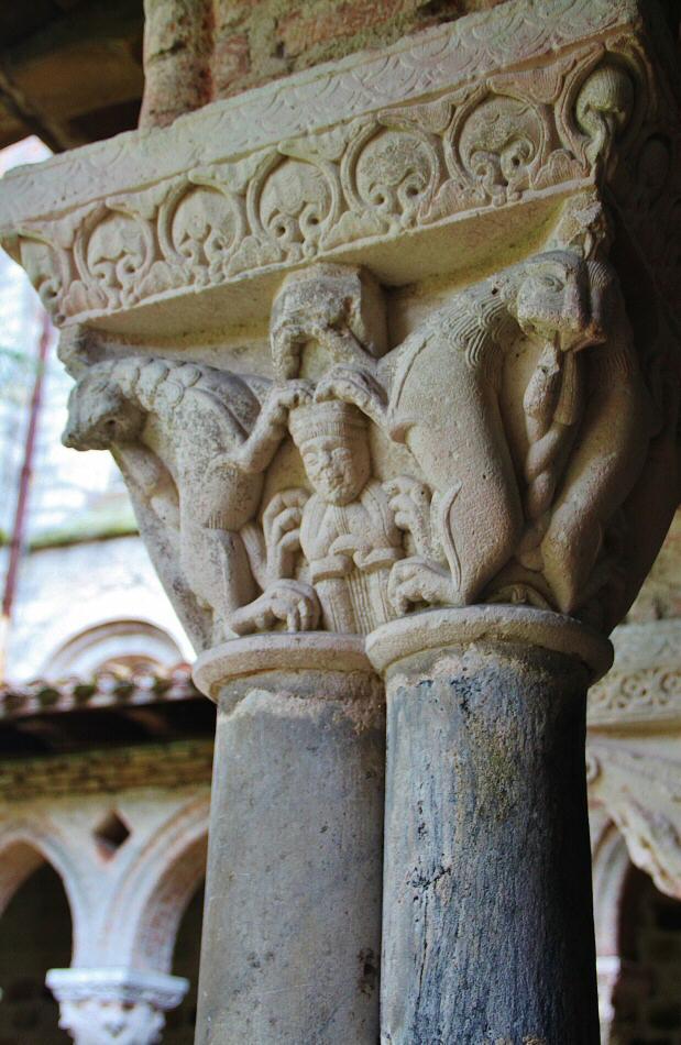 Capiteles del claustro de la abadía románica de Moissac