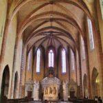 Interior de la iglesia de la Abadía de Moissac en Occitania