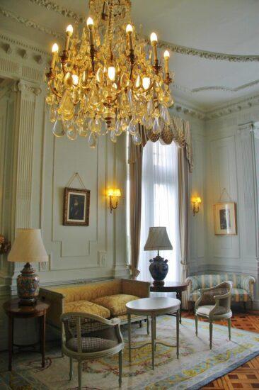 Rincón interior del palacio de la Magdalena en Santander