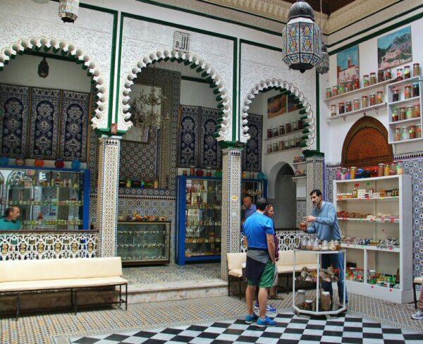 Tienda de especias en la medina de Tetuán