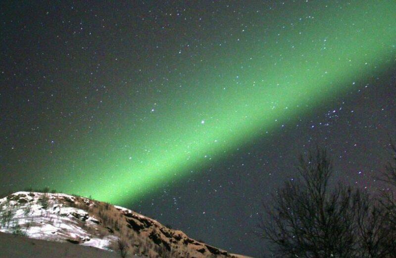 Aurora boreal en Kirkenes en el norte de Noruega