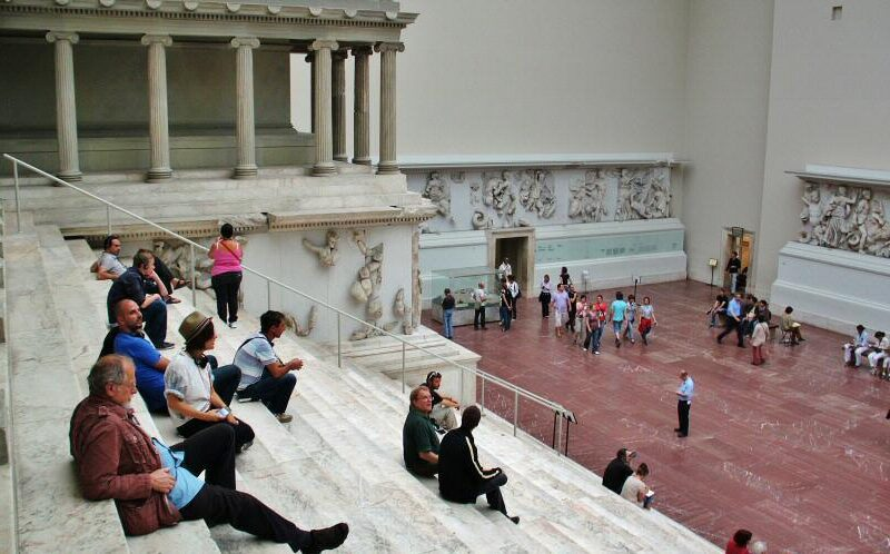 Escalinata del Altar de Pergamo en el Museo Pergamo de Berlín