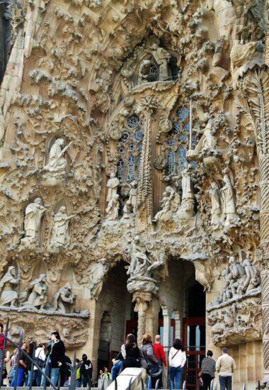 Fachada del Nacimiento en la Sagrada Familia de Barcelona