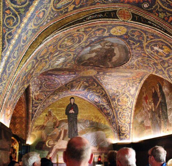 Techo pintado de la capilla del Calvario en el Santo Sepulcro