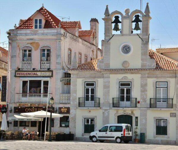 Ayuntamiento de Cascais en los alrededores de Lisboa