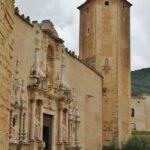 Fachada de la iglesia del monasterio de Poblet