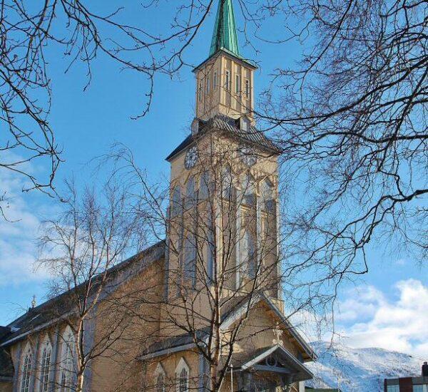 Catedral de Tromso al norte de Noruega