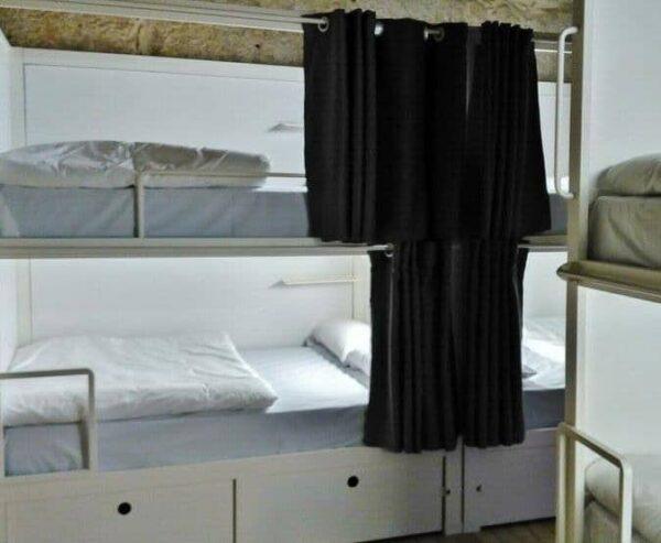 Habitación colectiva en el hostel Bluesock en Oporto