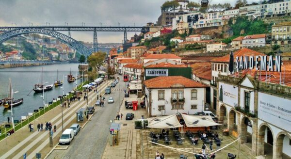 Zona de bodegas de Oporto en Portugal