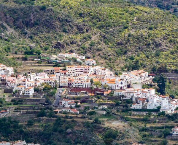 Vista panorámica de Tejeda desde Artenara