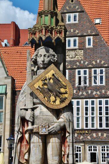 Estatua de Rolando en la plaza del Mercado en Bremen