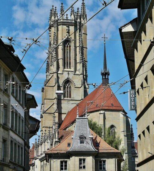 Catedral de Friburgo en Suiza