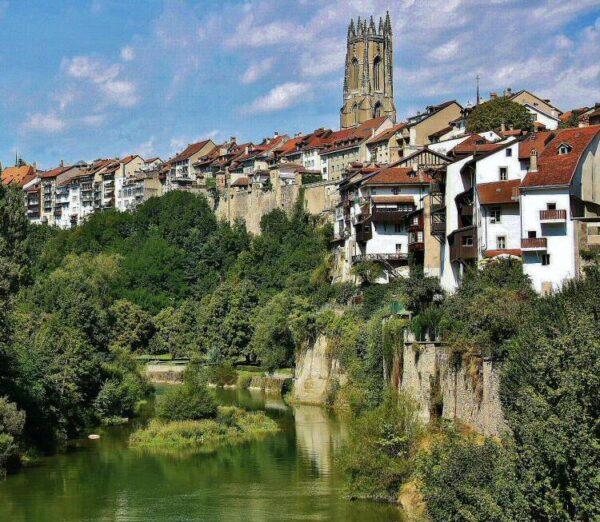 Vistas de Friburgo desde el Barrio medieval de Auge
