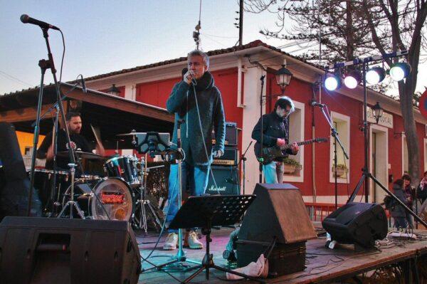 Música el aire libre en el Día de las Paellas en Benicássim en Castellón