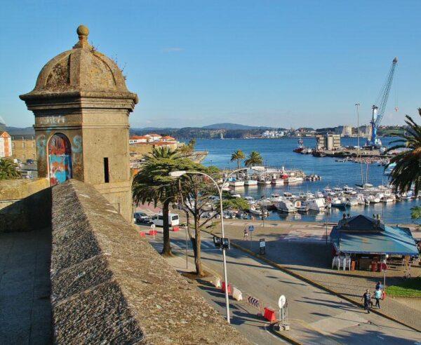 Fortaleza del Baluarte en el puerto de Curuxeiras en Ferrol