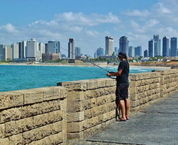Vistas de Tel Aviv desde el puerto de Jaffa en Israel