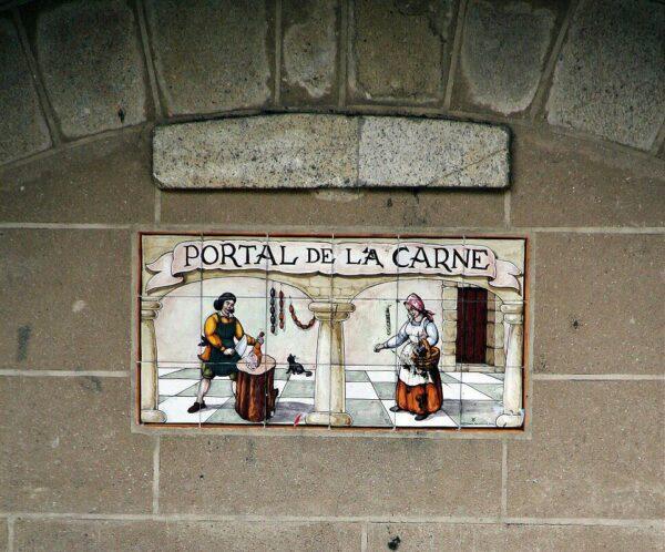 Portal de la Carne en la plaza Mayor de Trujillo