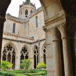 Claustro gótico del Monasterio de Santes Creus en Cataluña