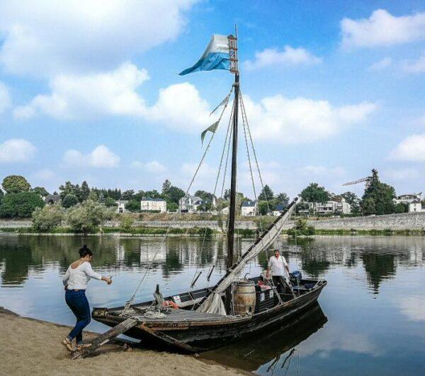 Paseo en barco tradicional por río Loira en Orleans