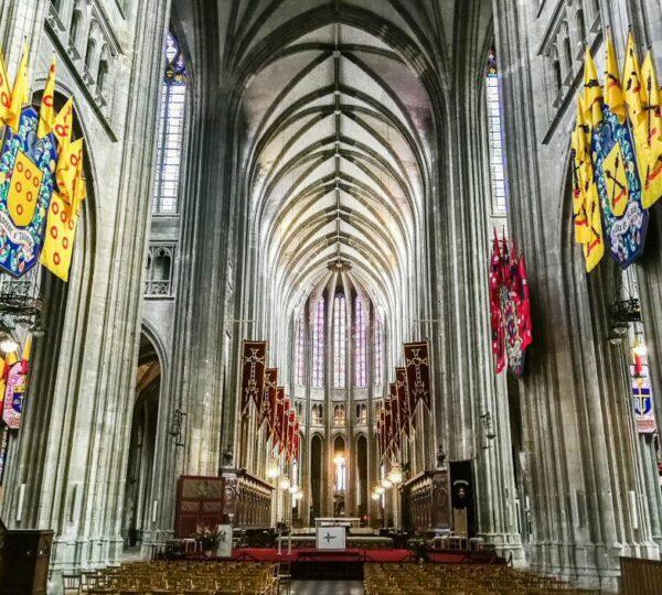 Catedral de la Santa Cruz en Orleans en Valle del Loira