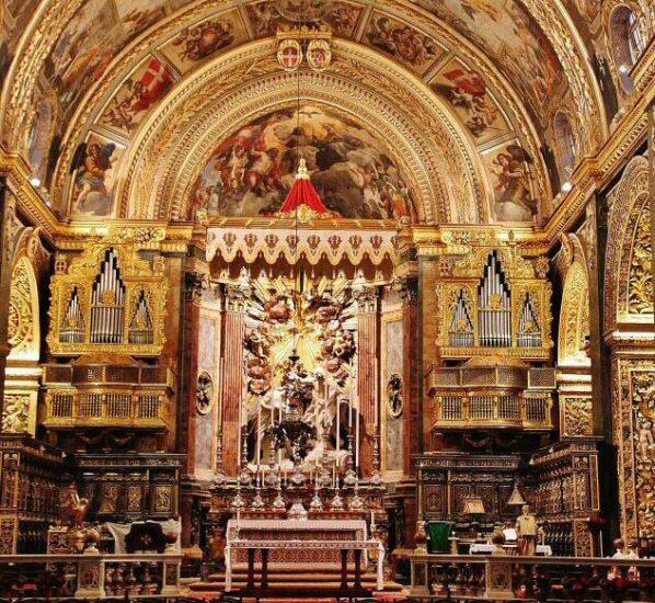 Alta Mayor de la Concatedral de San Juan en La Valeta en Malta
